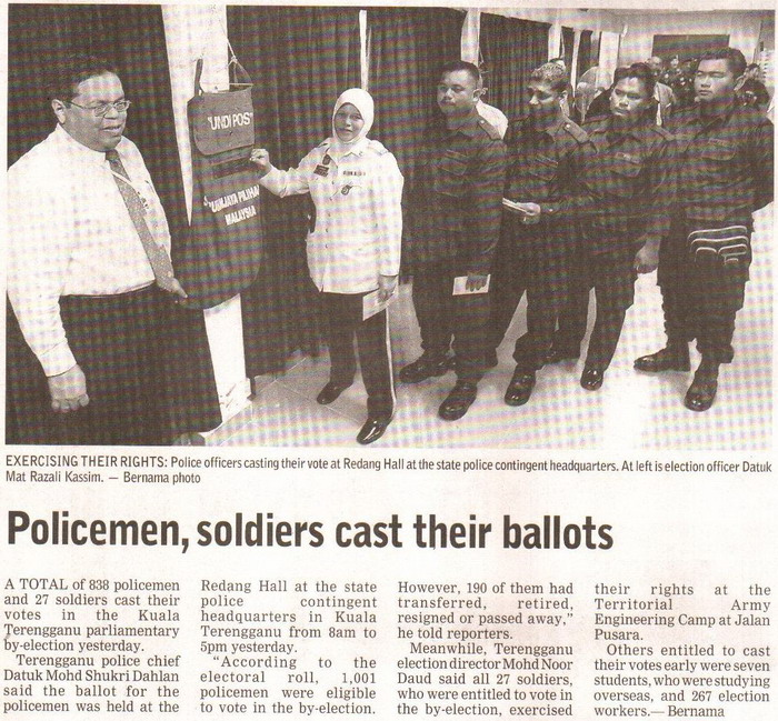 Borneo Post. 2009. Policemen, soldiers cast their ballots. January 13, 2009 Edition.